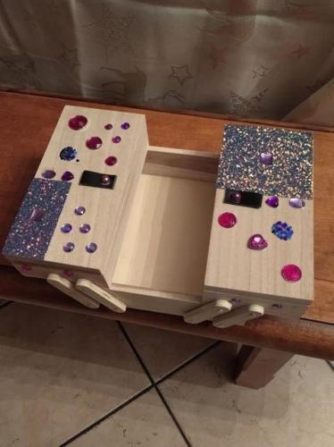 boîte à couture  décorée